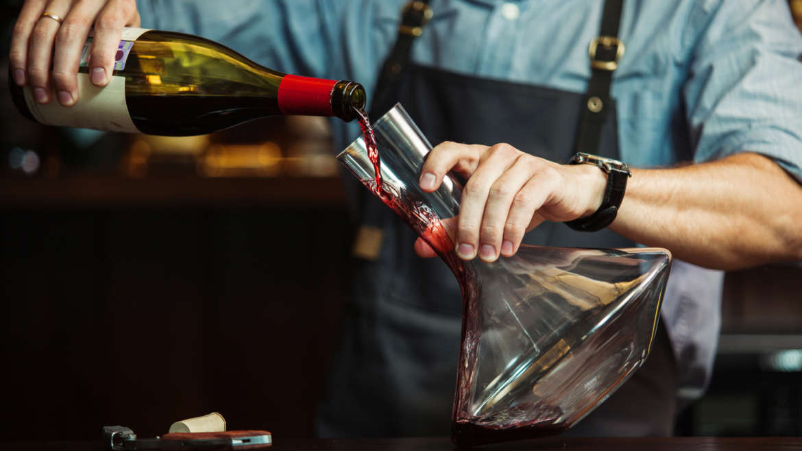 How to Decant your Wine like a Sommelier