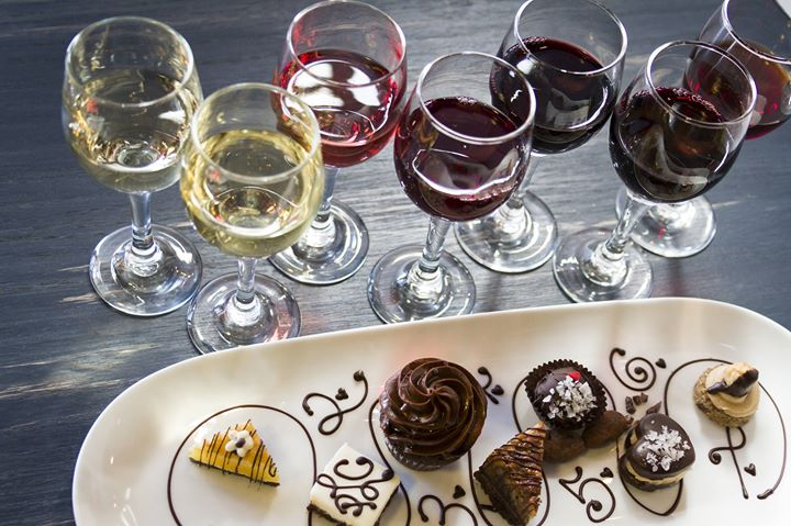 Easter Sunday Special Wine & Cake Pairings – Yummy!