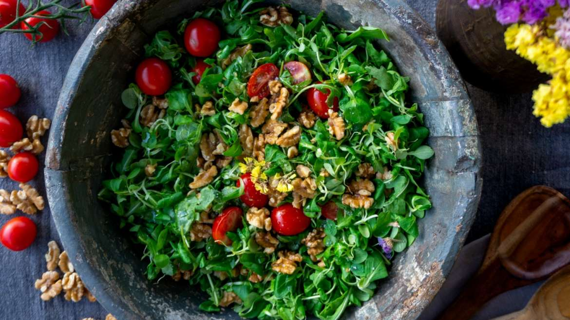 5 Refreshing Spring Salads and Wine Pairings