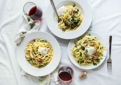 8 Comfort Food Recipes with Wine Pairings for Fall