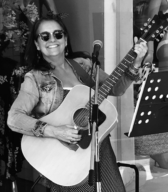 Live Tunes with Gabriele Friedman and Award Winning Wines