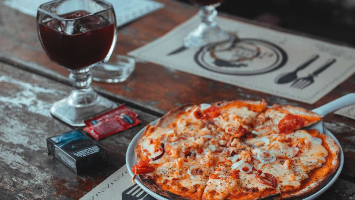 8 Delicious Pizza and Wine Pairings with Pairing Guide